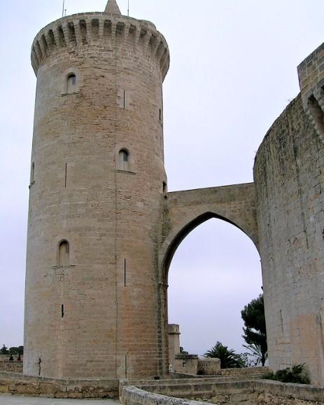 Post Thumbnail of Visita al Castillo de Bellver con la torre del homenaje